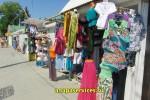 Продажа одежды в торговых палатках на ул. Черноморская в Витязево